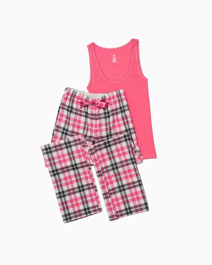 Who wouldn't love this pink pyjama set?