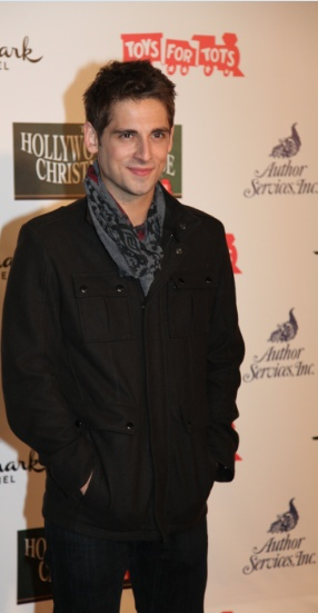 Jean-Luc Bilodeau looks all warm and cozy at the Hollywood Christmas Parade!