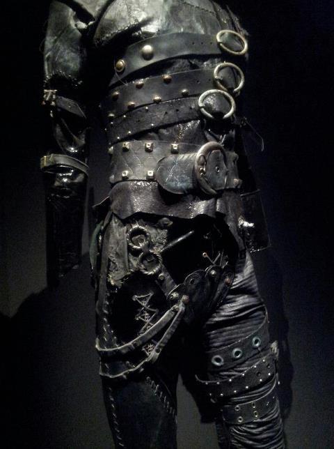 edward scissorhands' costume  at the Tim Burton's exhibition - Paris