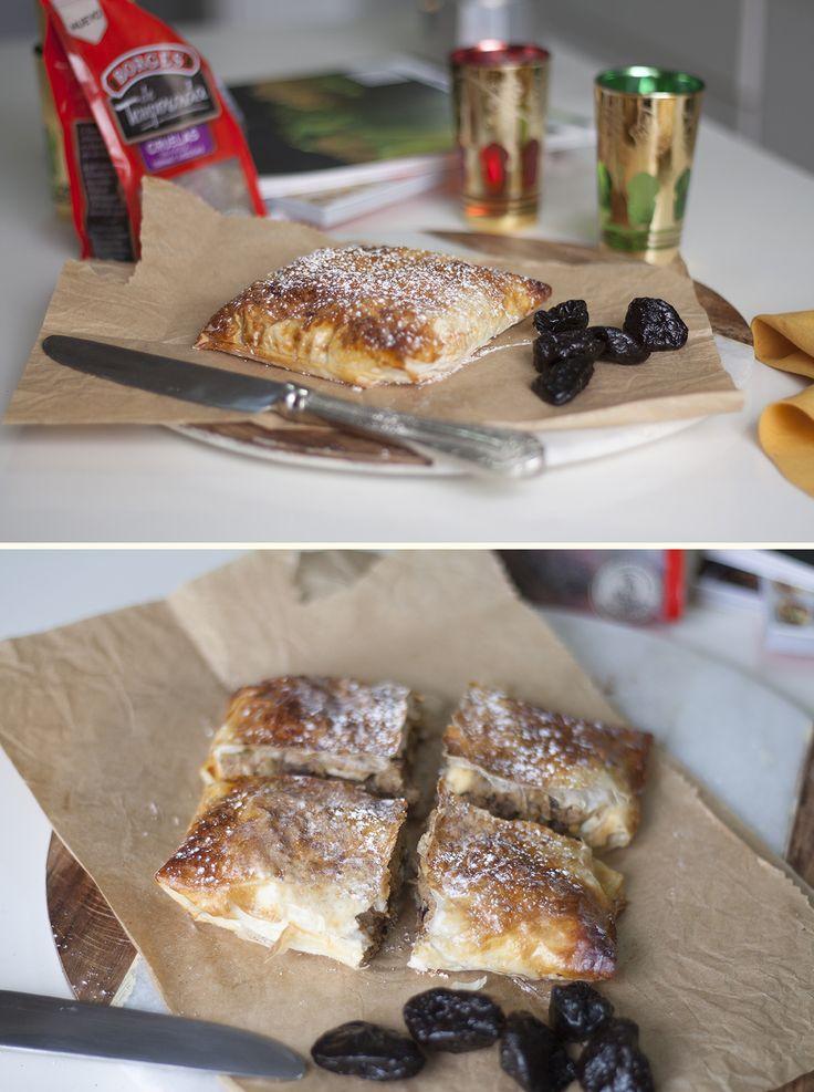 La pastela moruna es de origen marroquí pero muy apreciada en todas partes. Nosotras la hacemos con pollo, y la combinación de ingredientes nos encanta
