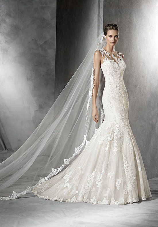 Tulle mermaid styled wedding dress with sweetheart neckline and appliqué adorned bodice I Style: PLADIE I by PRONOVIAS I http://knot.ly/6499BIUKJ