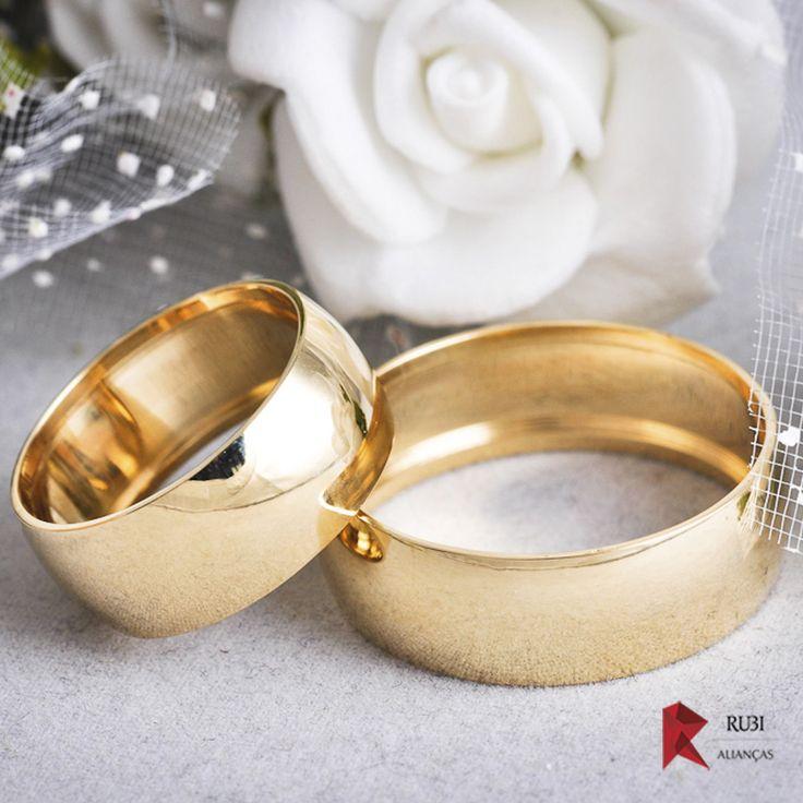 ALIANÇA 18K SERRA DA BOCAINA Aproveite os nossos preços de fabrica e encomende seu par de alianças, para casamento, noivado e namoro. Confira este lindo modelo extenso em largura e peso.