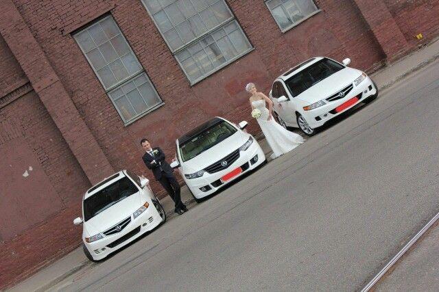 Car themed wedding pic.
