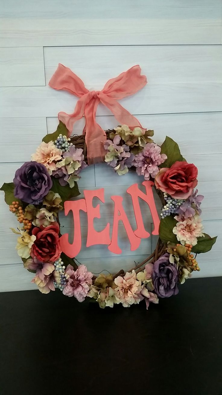 Custom Grapevine Wreath with Name and Flowers #grapevine #wreath #wreathideas #flowers #custom #goldenforrest #goldenforrestcreations