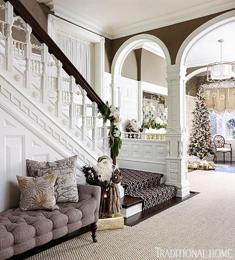 Elegant And Neutral Christmas Foyer: 1000+ Ideas About Entry Stairs On Pinterest
