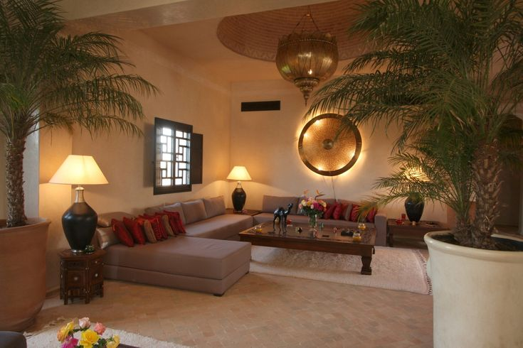 Salon marocain maroc int rieur pinterest villas for Salon de the orientale