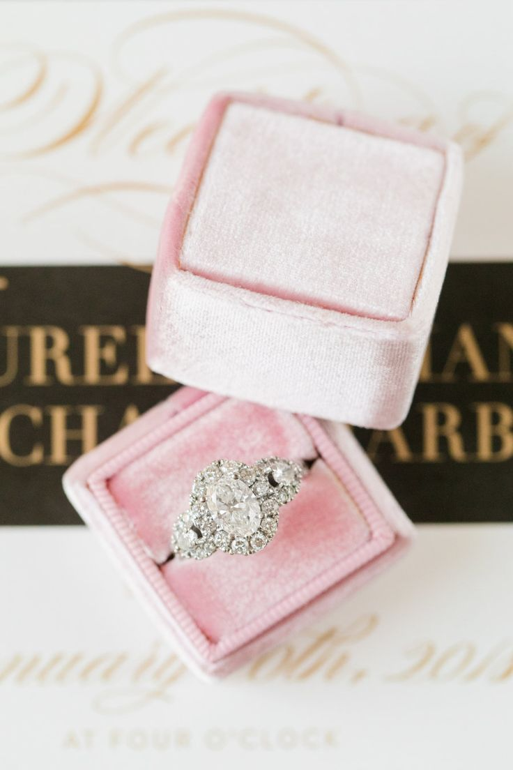 pink velvet ring box, halo diamond, platinum engagement ring | Photography: Dana Cubbage Weddings