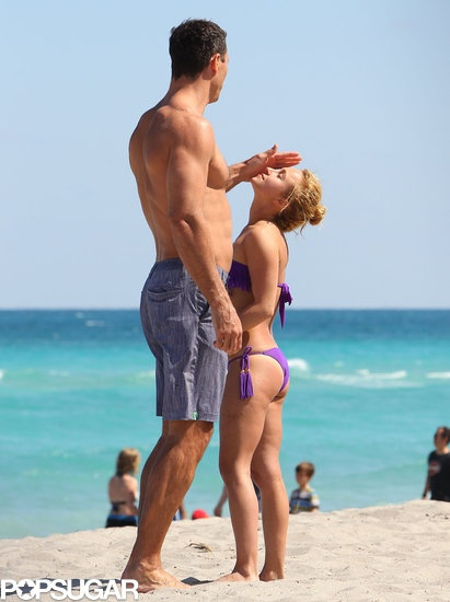 Wladimir Klitschko and Hayden Panettiere hung out on the sand in Miami over the weekend.
