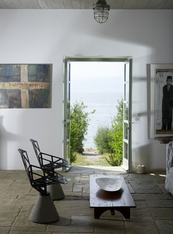 Vacation House by Zoumboulakis Architects in Hydra, Greece. Photo by Vangelis Paterakis. Greek, Aegean island interiors.