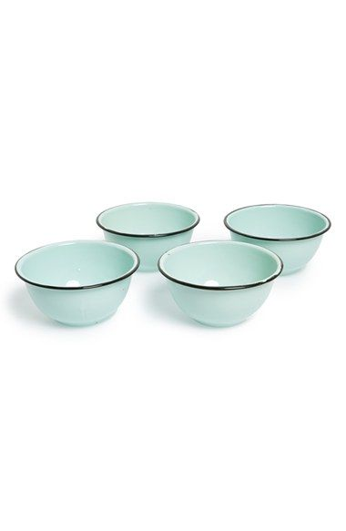 Free shipping and returns on Park Hill Collection Enamelware Bowls (Set of 4) at Nordstrom.com. Add a vintage touch to your kitchen décor with this set of Park Hill Collection enamelware bowls featuring a contrasting rim stripe and a muted color palette.