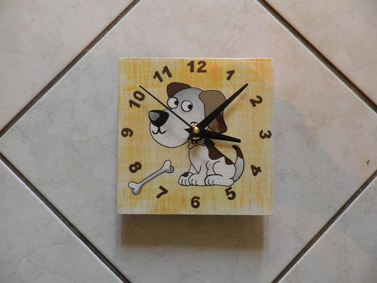 Kiskutyás falióra,  Dog  wall clock with silent clockwork.