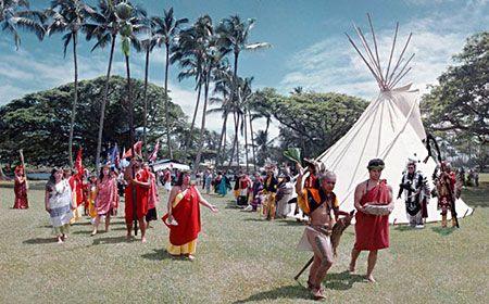 Aloha Pow wow - La cerimonia di apertura del Pow wow di Hilo nelle Hawaii