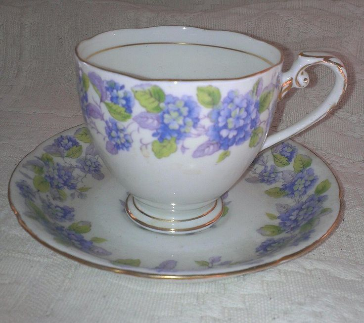 Cup & Saucer Candle, €18,00