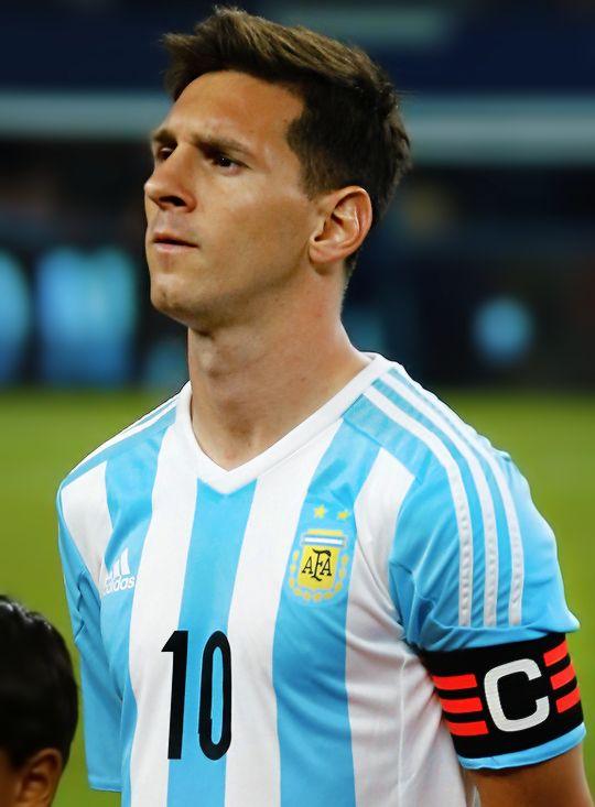 Messi - Argentina _ Considerado uno de los mejores jugadores del mundo
