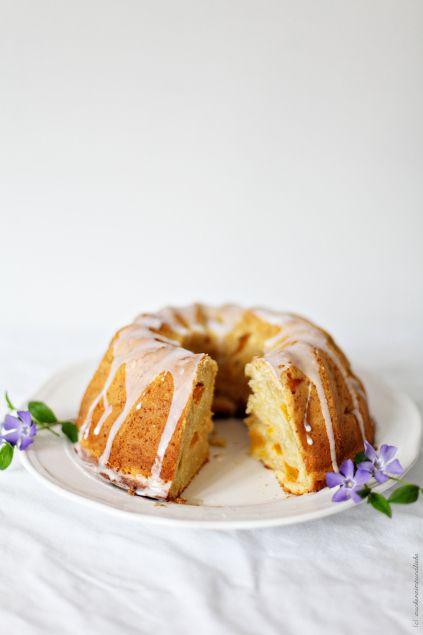 Pfirsichkuchen Gugelhupf mit Schmand Backrezept