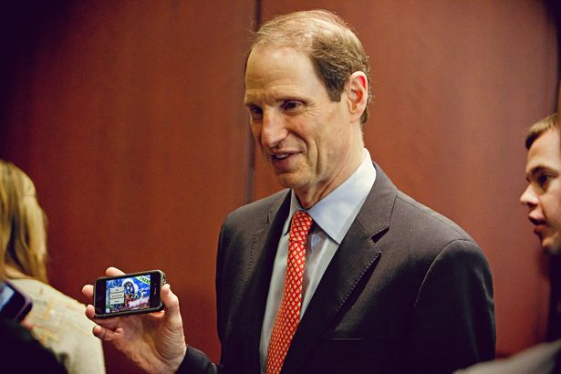 Worry About U.S. Smartphone Surveillance, U.S. Sen. Ron Wyden Says INFOWARS.COM BECAUSE THERE'S A WAR ON FOR YOUR MIND