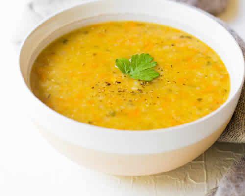 soupe paysanne thermomix, très délicieuses soupe pour un dîner de printemps en famille. Faites cette délicieuse recette facilement avec votre thermomix.