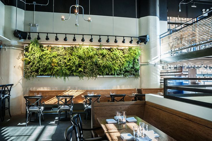 Governor Dumbo Restaurant | 15 Main Street Brooklyn, NY 11201