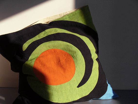 Cushions & Arras. Ornamental cover made in old hemp canvas fabric that turns into arras.