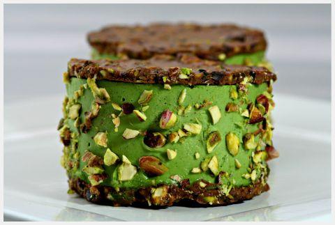 Cacao Pistachio Florentine & Mint Ice Cream Sandwich #raw #vegan #therawchef