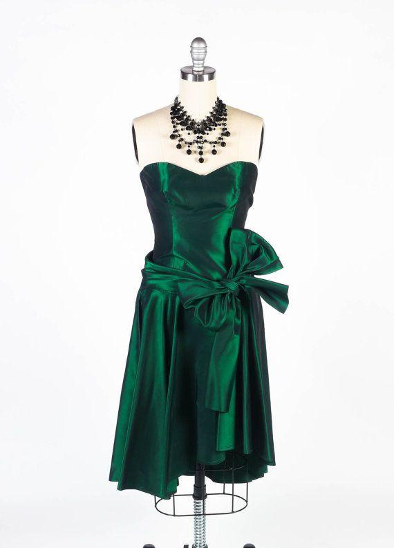 SALE  Vintage 80s Prom Dress // 1980s Prom Dress // Green