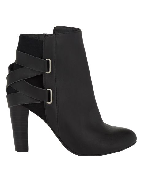 #NewandNow A pair of ankle boots with a madrid style strap.