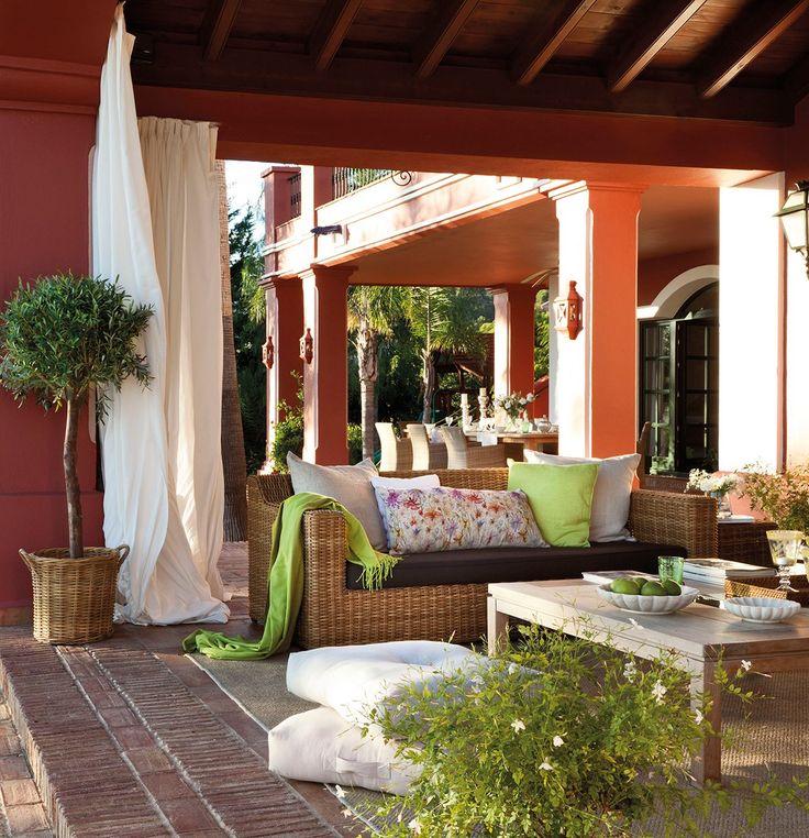 Un porche con el embrujo de la alhambra porches en rojo - Porches y jardines ...