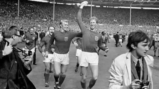 England Football World Champion Hero Jack Charlton Dies In 2020 Jack Charlton Bobby Charlton England Football
