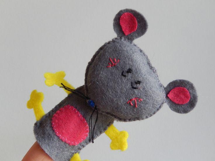 Marionnette doigt souris en feutrine grise - Fabriquer une marionnette articulee ...