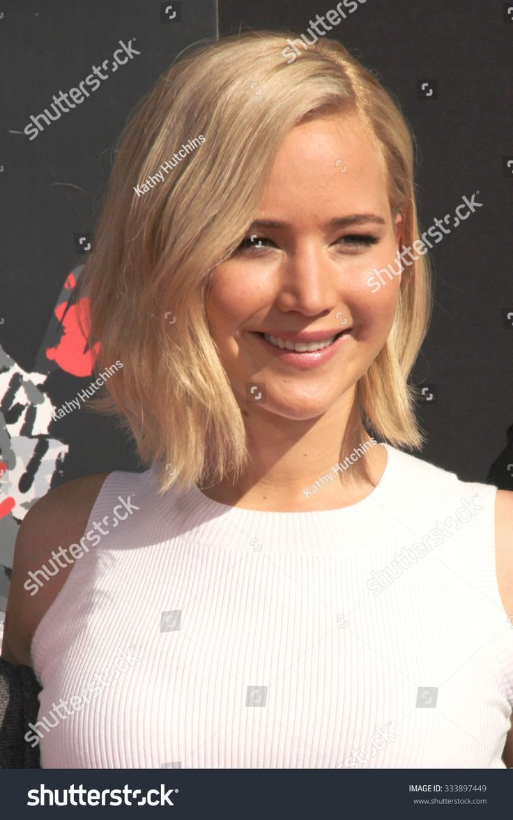 LOS ANGELES OCT 31 Jennifer Lawrence at the Hunger