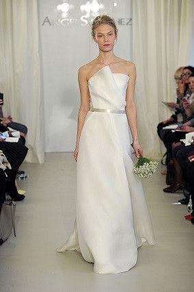 Angel Sanchez 'N10020' Size 10 Sample Wedding Dress - Nearly Newlywed