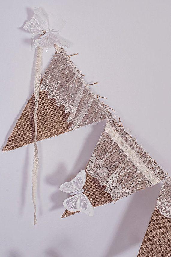 triangulos arpillera  y encaje