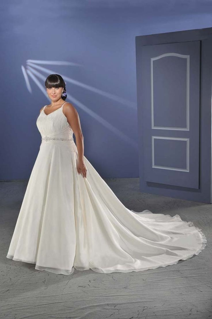 Hot Selling Plus Size Wedding Dresses A Line Spaghetti Straps Organza