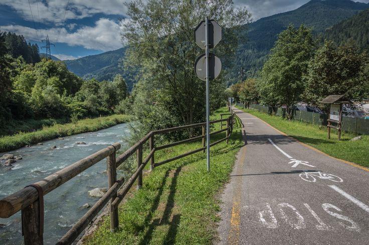 Buon fine settimana a tutti! Un giro in #ciclabile o #pesca nel fiume #Sarca? A voi la scelta! Noi siamo qui, vi aspettiamo! Happy #weekend to everyone! A ride on the #cycle path or #fishing in the Sarca river? The choice is yours! We are here waiting for you.