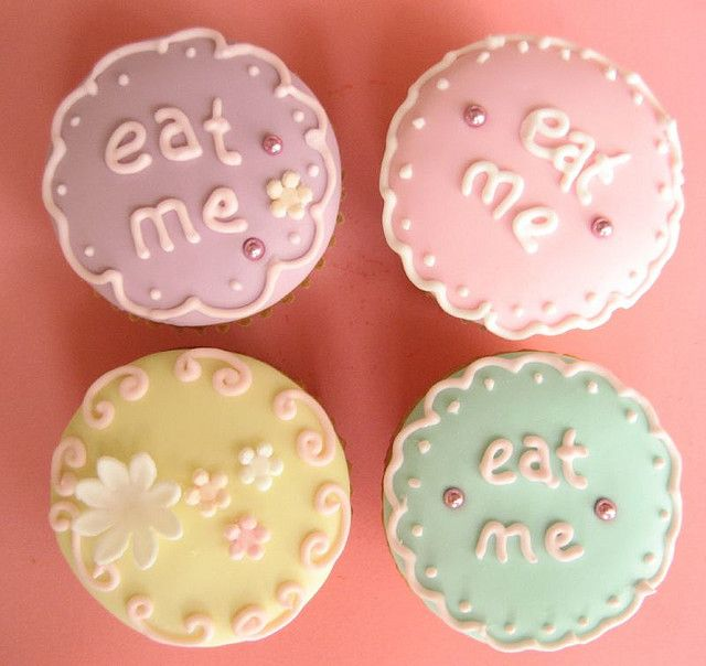 eat me cupcakes: Shower Ideas, Wonderland Parties, Theme Cupcakes, Sweet Treats, Alice In Wonderland, Parties Ideas, Bridal Shower, Parties Theme, Teas Parties