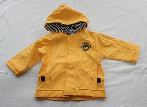 Giallo intenso, per portare un po' di sole anche in un giorno di pioggia...  http://hipmums.it/collections/bambino/products/giacca-impermeabile-428