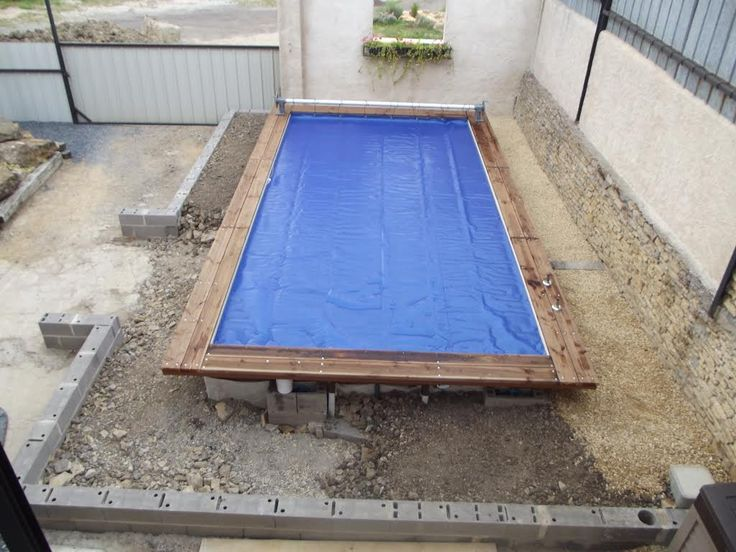 Enterrer une piscine en acier enterrer une piscine en for Piscine semi enterree 6x4