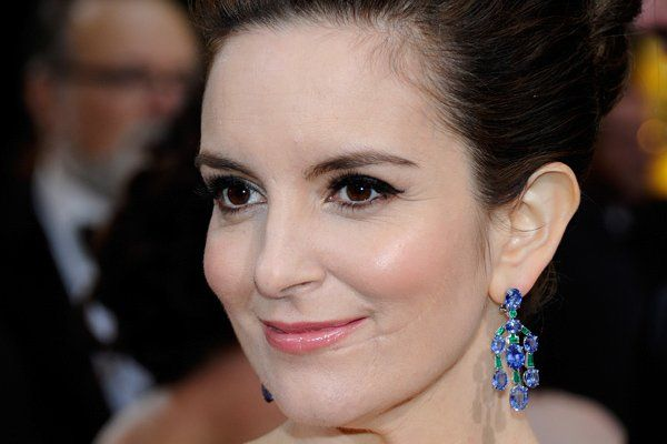 Tina Fey has a pretty large facial scar, she was attacked by a stranger and violently cut when she was 5 years old.