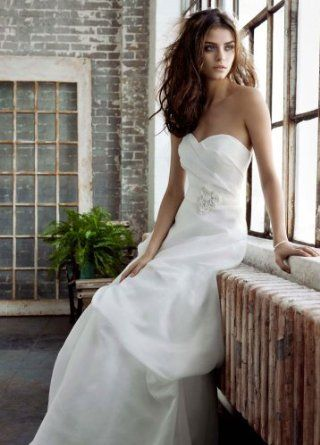 Wedding Dress: Sweetheart Organza Gown with Pick Up Skirt Style PK3226