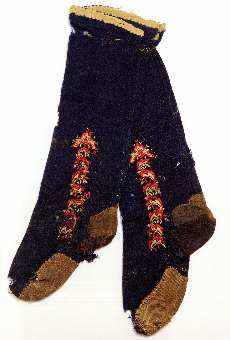FolkCostume&Embroidery: East Telemark, Norway, socks and shoes for Raudtroje…