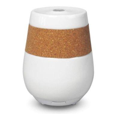 Le nouveau diffuseur brumisateur d'huiles essentielles Florame en céramique est sobre, élégant, discret, silencieux et efficace. Il s'agit d'un diffuseur ultrasonique.