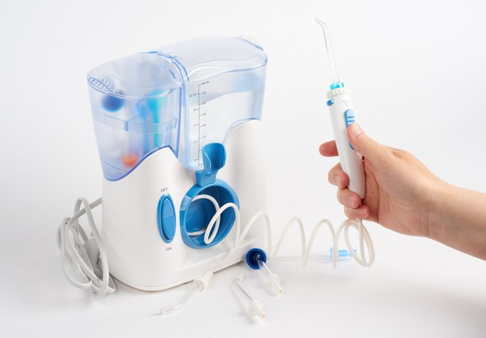 What Students in Dental Hygienist Training Can Learn About Water Picking