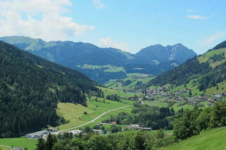 Ook in #Wildschönau zit je goed met een #boerderijvakantie. Volop genieten van de ongerepte natuur, een prachtig natuurgebied in #Oostenrijk. Gasthof Almhof Fichtenhof in Thierbach is een ideale uitvalsbasis voor een onbezorgde boerderijvakantie in Tirol.
