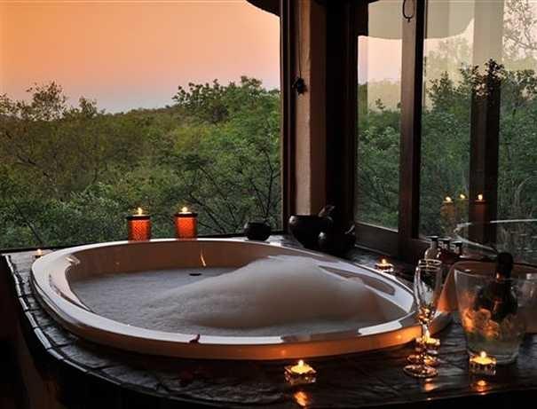 farsi un bagno nella tranquilita' dell'Africa!indescrivibile