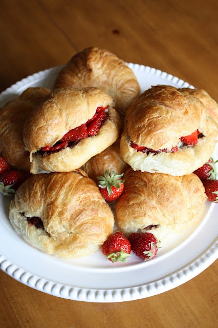 easy party food: Strawberry & Nutella Croissants