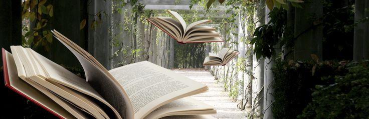 """I libri permettono di viaggiare con la fantasia, ma anche di accompagnarci nei viaggi ed ancora possono essere """"guide"""" illustrandoci itinerari da seguire. Ma se si sogna un itinerario di viaggio diverso dal solito, un excursus sulle tracce dei propri scrittori preferiti e dei luoghi narrati nei loro libri? Per gli appassionati di letteratura inglese, c'è una grande novità per tutti voi: VisitBritain, l'Ente Nazionale Britannico per il Turismo, ha realizzato """"La guida alla letteratura…"""