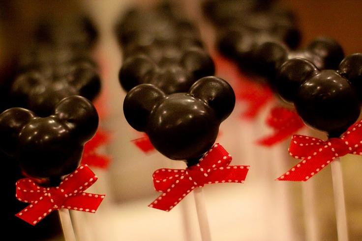 Mickey cake pops! <3