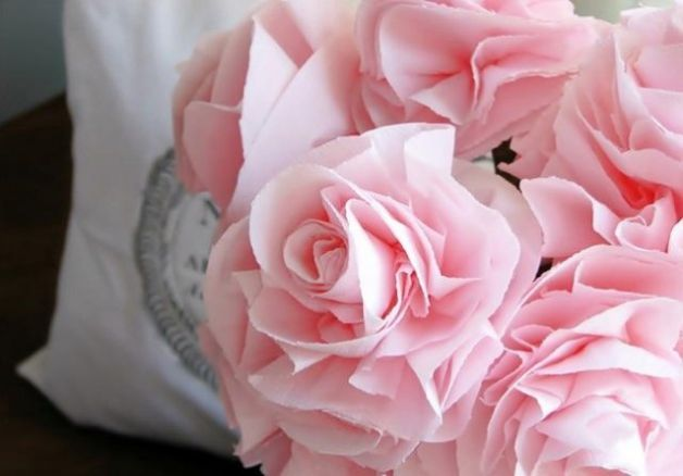 Le istruzioni per realizzare i fiori di carta per decorare la tua casa - NanoPress Donna