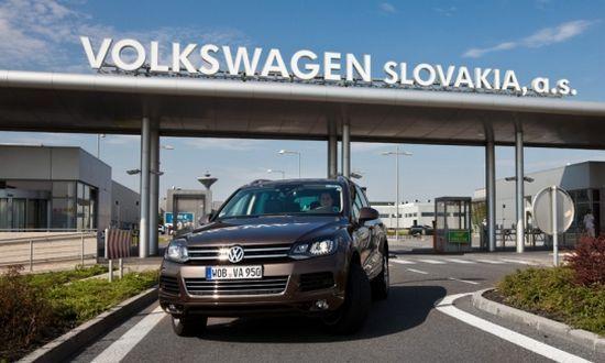 Volkswagen, prosegue lo sciopero, e c'è anche un allarme bomba