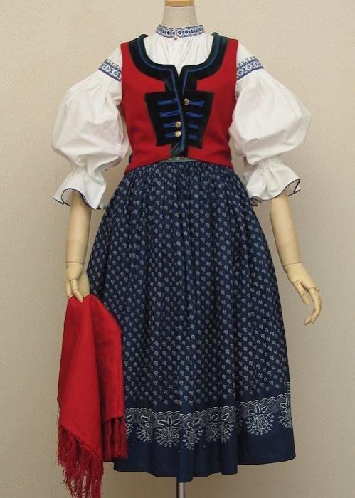 東欧民族衣装